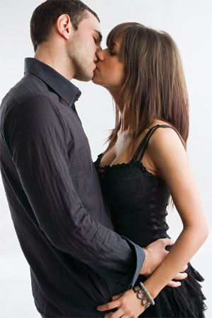 How to Kiss a Girl on the first date