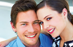 Are you too Clingy in Love? – How to Date an Independent Girl - Romantic Couple