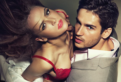 12 Things Guys Do that Makes Girls Want to Fake It!