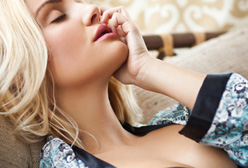 22 Common Reasons Why Women Fake an Orgasm in Bed!